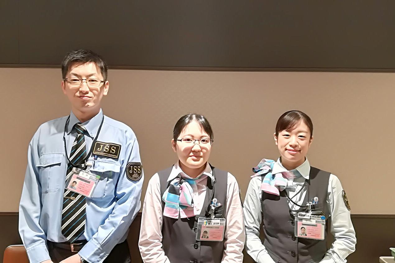 新千歳空港で働くスタッフ