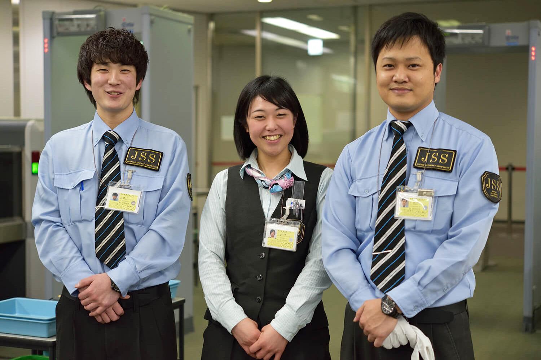 成田国際空港で働くスタッフ