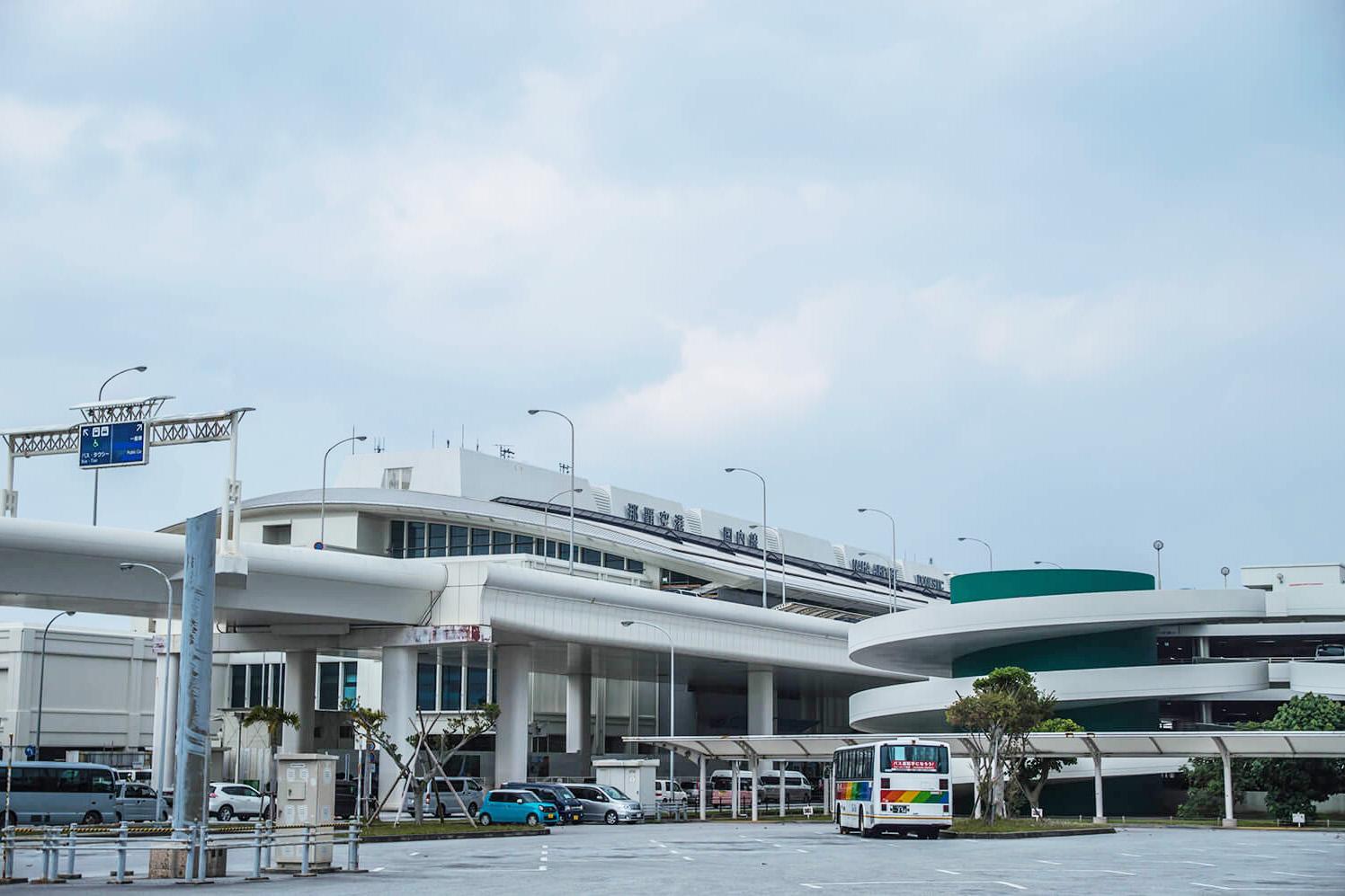 那覇空港外観